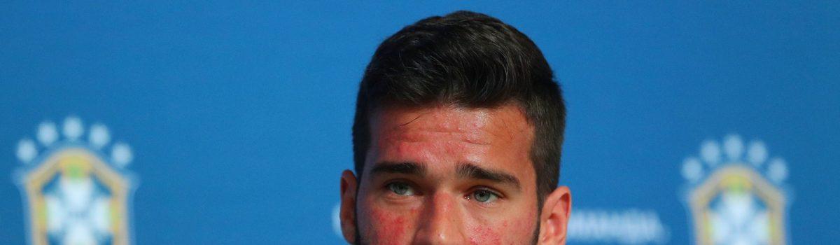 O que Alisson Becker, goleiro da Seleção Brasileira, tem no rosto?